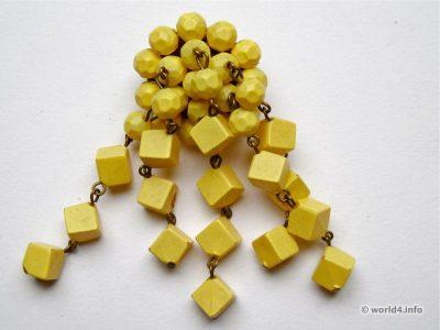Wood cubes brooch. Vintage Mid-century Fashion Jewelry.