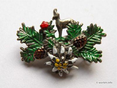 Hunter Brooch. Vintage Fashion jewelry Mid-century design