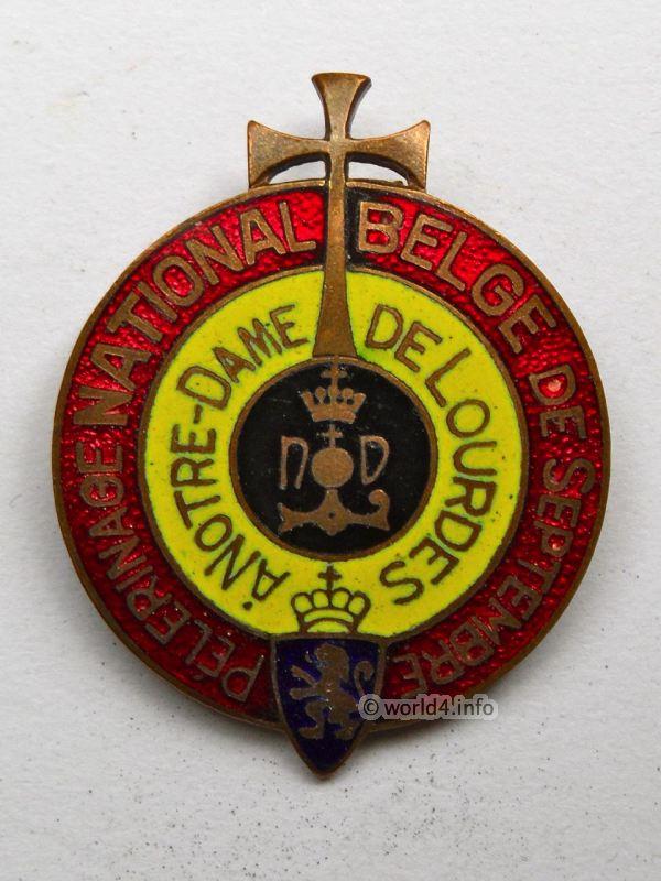 Memorabilia Pin, Brooch. Pèlerinage National Belge de Septembre Notre-Dame de Lourdes France. Collectible Item