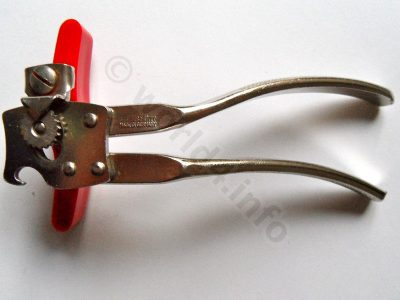 Collectible Tin, Lid opener. Modern can opener design from Solingen. Made in Germany.