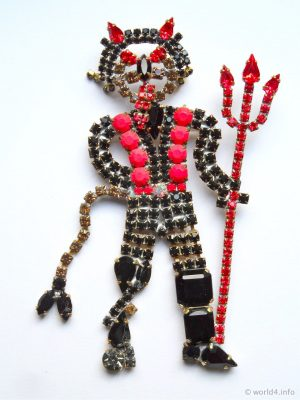 Vintage Rhinestone Devil Brooch. Black-Red-Toned Rhinestone Costume Jewelry from Gablonz. Art deco style jewellery.