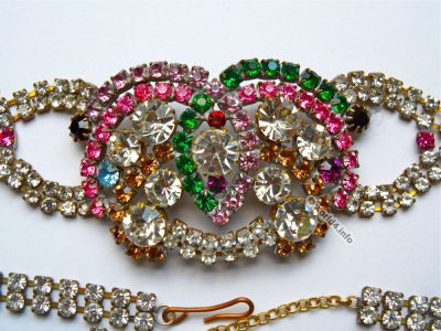 Rhinestones Necklace Jewelry. Vintage fashion jewelry. Art deco style. Gablonz.