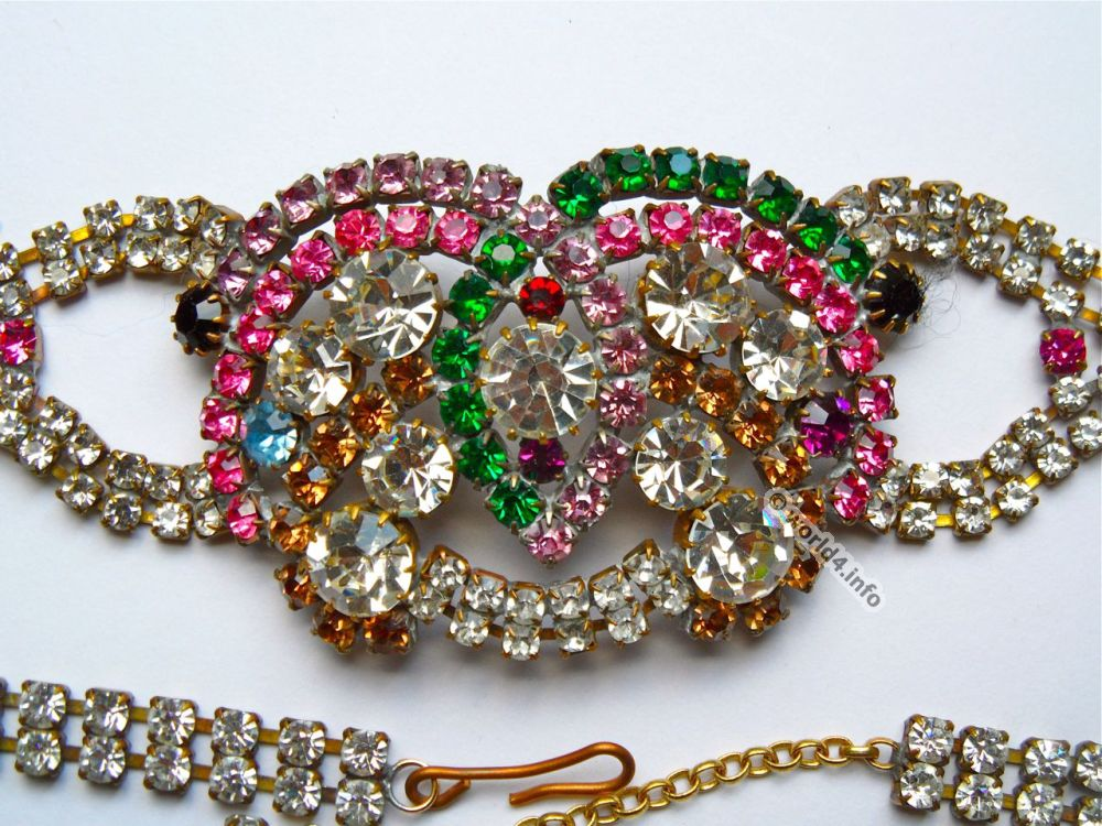rhinestones necklace jewelry lost and found