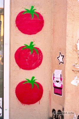 German street artist. Graffiti Stencil street art. Halle Germany Streetart scene. Sommerklatsche
