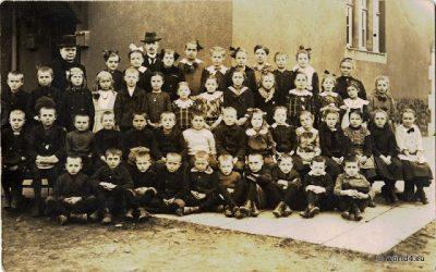 German school class 1910. Children costumes