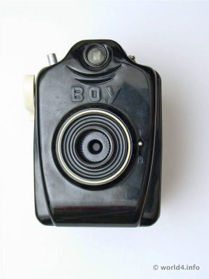 Vintage Box camera Bilora Boy 4x4 roll film 127.